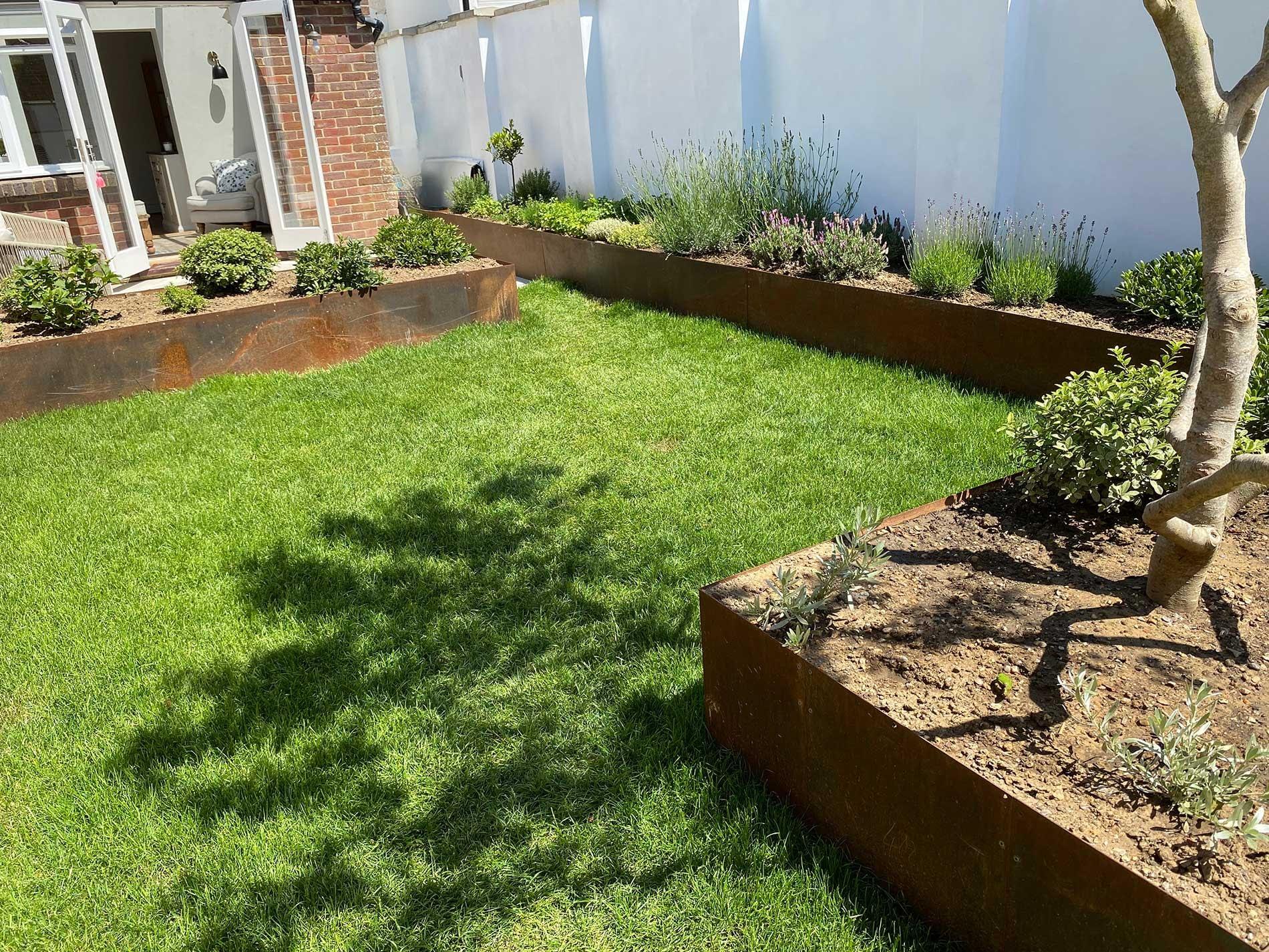 brighton garden Raised planter